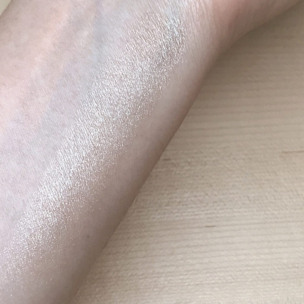Face Highlighter Holiday Look 2018 2