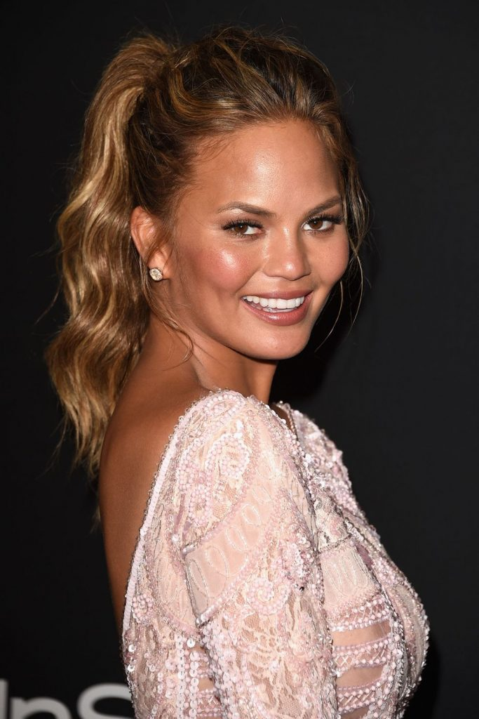 chrissy-teigen-beauty-look